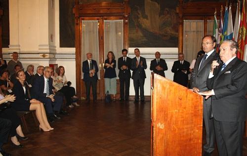 BLOG Carballedo junto a García Escudero tras recibir la Medalla del Senado.jpg