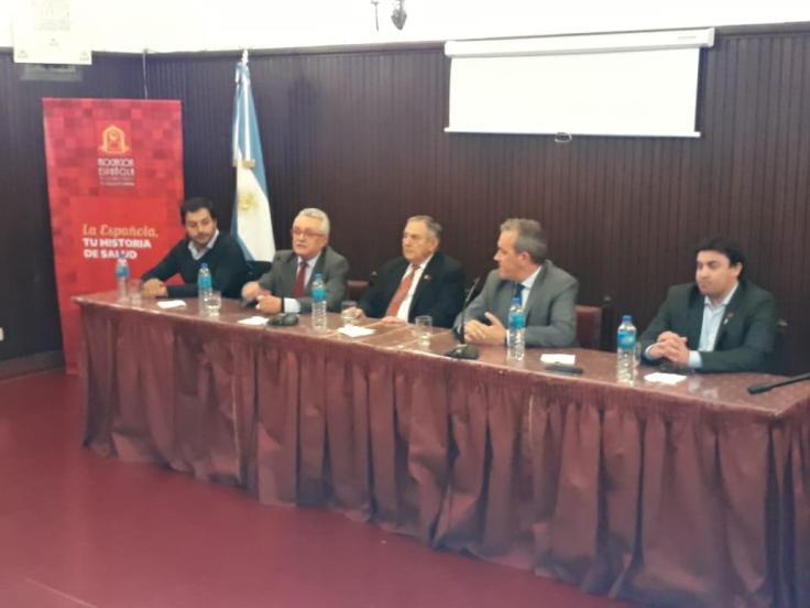 Torres Castro y Moares con directivos comodorenses